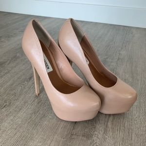 Steve Madden shoes nude